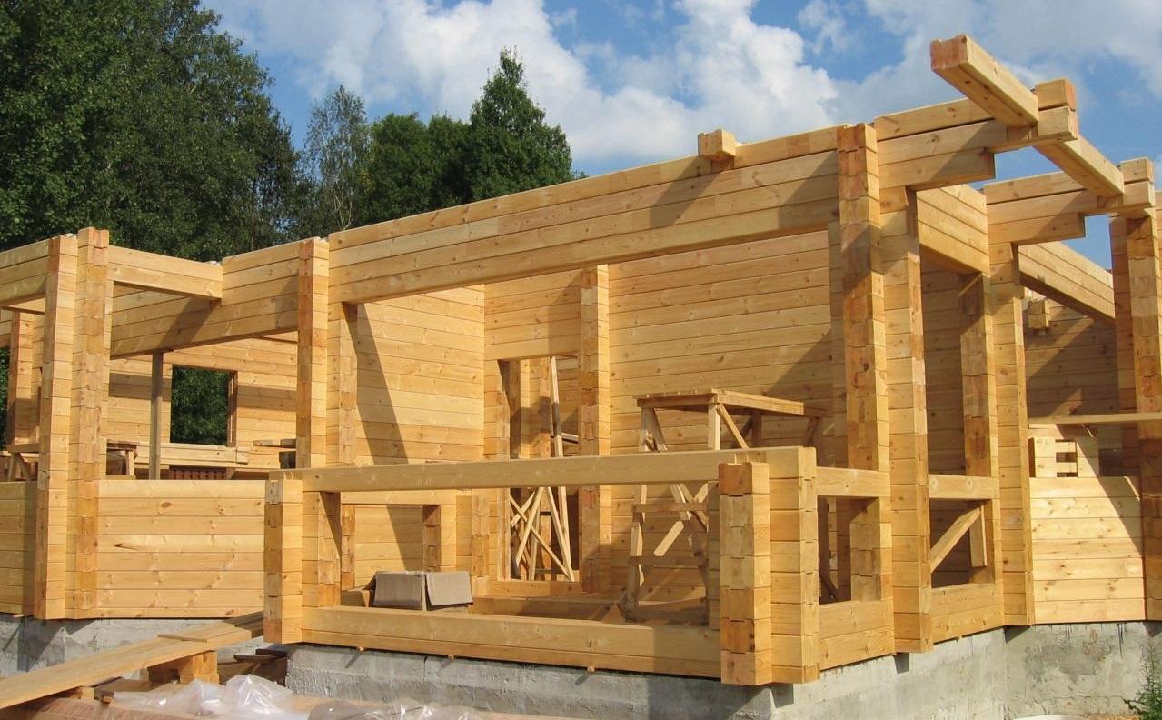 """Обработка деревянного дома с помощью герметиков и пропиток от """"А"""" до """"Я"""""""