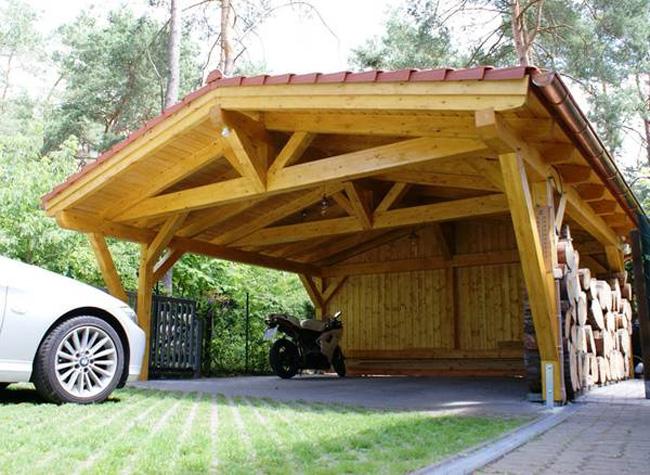 Навес из дерева для автомобиля